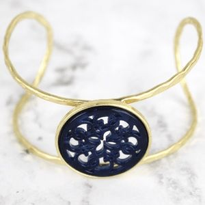 NAVY RESIN AND GOLDTONE FILIGREE DISK CUFF
